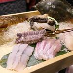 89143766 - アワビやシャコや金目鯛などの海鮮高級食材