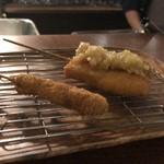 串揚げとワイン 宿串 - 牛ロース串カツ、豚バラ(特製ネギソース)