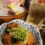 三ノ宮高架下市場 - 砂肝の味噌煮込み