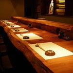 喜代寿司 - お好みで、カウンター席・テーブル席・お座敷をお選びください(ご予約も承ります)