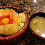 8915247 - サーモン親子丼