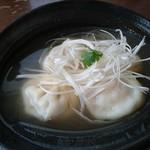 ホワイト餃子 はながさ - 水(えび)餃子4個390円+税