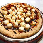 ◎スイーツピッツァ◎焼きマシュマロとチョコレートのピザ