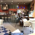 sandwich cafe うみねこ - 座った席から見た店内(2018.7.13)
