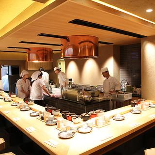 2回に分けてご提供する、揚げたての天ぷらをお楽しみください。