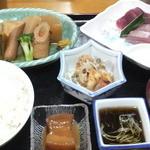 あぐに - 料理写真:民宿丸三の1日目の夕飯