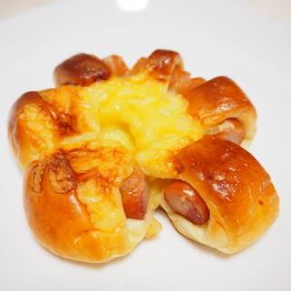 ラトリエアンソレイエ - 料理写真:チーズウィンナー