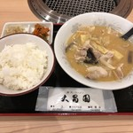 89172484 - 豚汁定食(並)