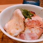 89175207 - ♦︎お肉のっけ丼 350円
