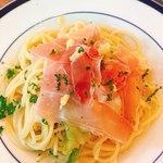 イタリアン食堂 ニーナの台所 - 自家製瀬戸内産塩レモンと生ハムのぺぺ