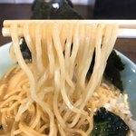松壱家 - 豚骨醤油ラーメンの麺