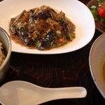8918094 - 茄子と春雨、雑穀のピリ辛野菜ソース850円