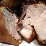 全力鶏 - 築地 鶏藤の丸鶏の素揚げ・アップ