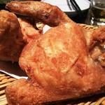 全力鶏 - 築地 鶏藤の丸鶏の素揚げ