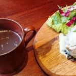梅田肉料理 きゅうろく - 牛骨スープ