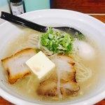 麺家 なかむら - 料理写真:塩ラーメン トッピングに煮玉子&バター