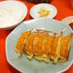 89193952 - 焼餃子+ライス                       ¥230+¥100