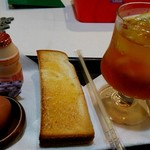 アイギみち - 料理写真:アイスティー(400円)のモーニング