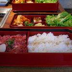 892597 - サービスランチ¥1000 二段重ねのお弁当に入っています。