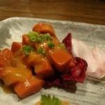 円居 - 前菜盛り合わせの中の刺身こんにゃく