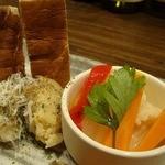 円居 - 前菜盛り合わせの中の野菜のピクルス