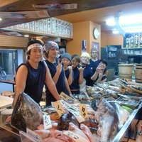 タカマル鮮魚店 - スタッフ一同
