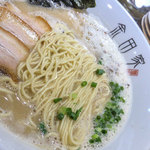 金田家 - 美味いスープにウマい麺。サスガでした。