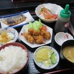 魚元 - 浜御膳(¥1.620)※唐揚げバージョン
