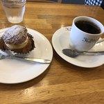 アトリエ菓舎 - シュー・ア・ラ・クレームとホットコーヒーで572円