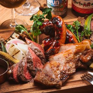 有名お肉屋さん格之進の熟成肉やハンバーグ、シカゴピザも