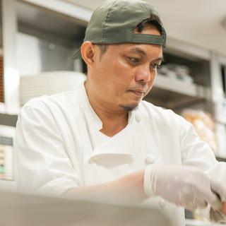 タイ料理歴30年のシェフを迎えて、メニューリニューアル!