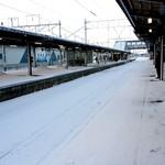 89210152 - 風が止んだ時の鶴岡駅ホーム