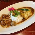 中華料理 八戒 - 骨付鶏(お任せ)カリィ+生ラムクミン炒めカリィ
