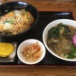 萬福亭 - 料理写真:玉子丼(¥550)+ミニそば(¥200)