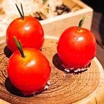 89213111 - トマトのキャラメリゼは、                       バカール時代から人気のアミューズ(^_-)