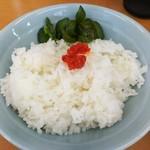 横浜らーめん 武蔵家 - 中ライス?!。¥プライスレス