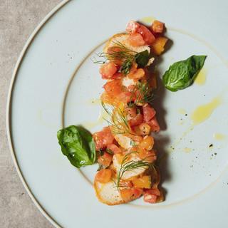 前菜からメインまで、シェフこだわりの絶品ビストロ料理