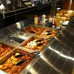 ウェアハウス - 料理写真:一番人気は当店自慢のからあげです♪