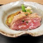 白 - 強肴:倭鴨と大和丸茄子の治部煮