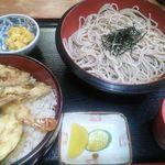 まるしん - 天丼セットざるそば@830 左の小鉢はかぼちゃサラダ