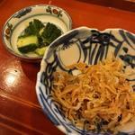 蓬左茶寮 - 煮端 縮緬雑魚、四つ葉胡瓜
