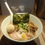 自家製麺 中華そば 多繋 - 醤油そば(中盛)(780円)+トロトロ味玉(100円)
