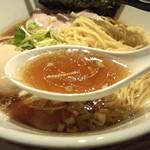 自家製麺 中華そば 多繋 - スープ