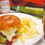クラップスダイナー - 料理写真:旭川の美味しいハンバーガー専門店クラップスダイナー!本場アメリカンスタイル