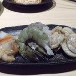 焼肉飯場 円蔵 - 海鮮盛合わせ??だったか?