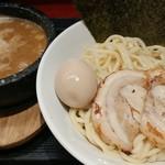 つけ麺屋のぶなが - つけ麺全部のせ(中) 980円