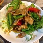寅屋 - ピーマン豚肉炒め 甘め