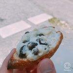 CALVA - サンドしている上側のパンを外してみました