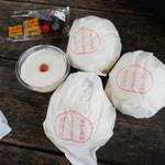 タンタン - 料理写真:肉まん&杏仁豆腐