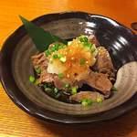 厚切り牛タン専門店 居酒屋 タン吉 - これが一番驚いた「 茹でタン」       シンプルだからタンの旨味が際立ちます。